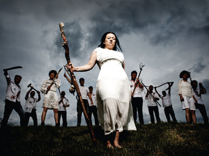 Eliza Carthy & The Wayward Band artist photo