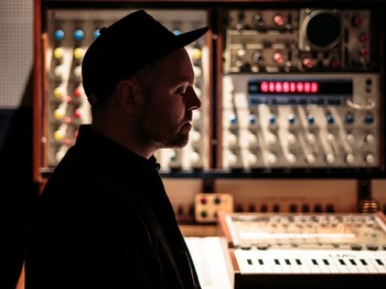 The Mountain Will Fall Tour: DJ Shadow picture