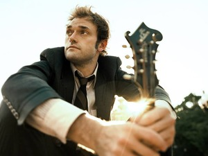 Chris Thile artist photo