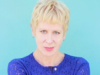 Breaking Glass Barefoot Tour : Hazel O'Connor picture