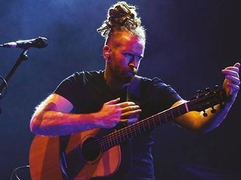 Newton Faulkner + Lisa Mitchell picture