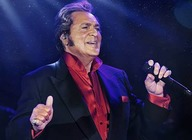 Engelbert Humperdinck artist photo