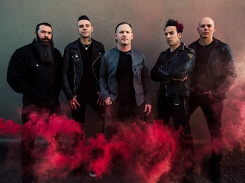Stone Sour + Papa Roach picture