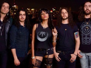 Diemonds artist photo