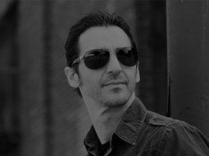 Sully Erna artist photo