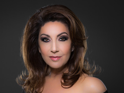Jane McDonald artist photo