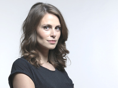 Ellie Taylor artist photo