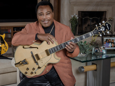 George Benson artist photo