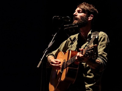Ray LaMontagne artist photo