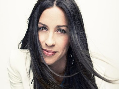 Alanis Morissette artist photo