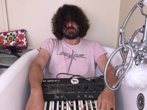 Lou Barlow artist photo